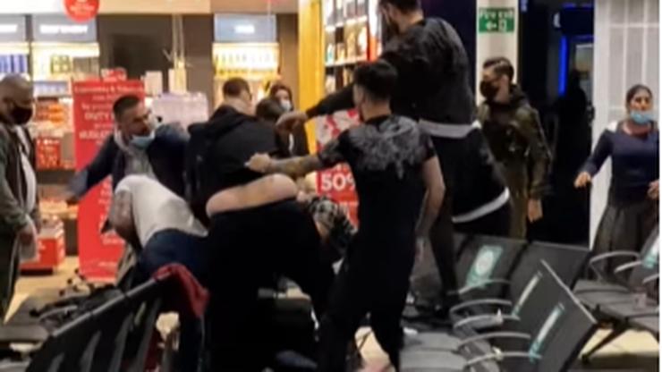 Bójka na lotnisku. 17 aresztowanych, ludzie chowali się w sklepach