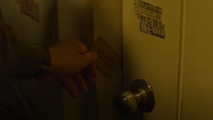 """Squid Game"". Netflix usuwa część scen. Chodzi o numer telefonu"