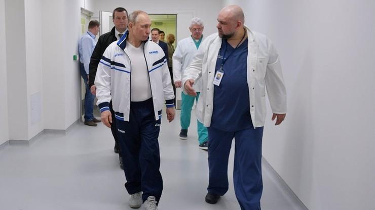 Denis Procenko oprowadza Władimira Putina po szpitalu