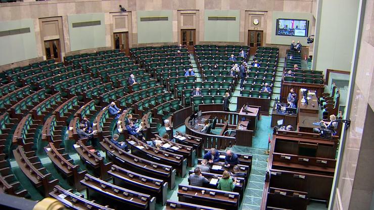 """Panele fotowoltaiczne w Sejmie. """"Trwa montaż pilotażowej instalacji"""""""