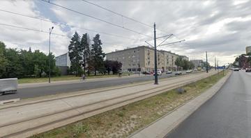 Wsiadł za kierownicę po alkoholu, jechał po torowisku w Łodzi